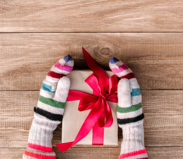 christmas-gift-red-bow-mittens-wood