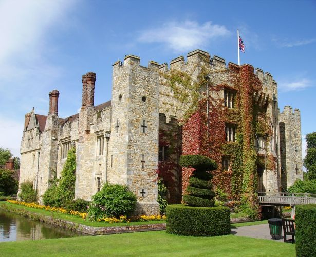 front_view_of_hever_castle-_kent