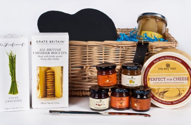 holwood-farm-cheese-delight-hamper-open