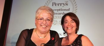 jill-tompkins-helen-wathen-kent-ms-therapy-centre-winners-of-perrys-exceptional-charity-2016-001
