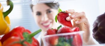 fridge-strawberries-food-woman-1
