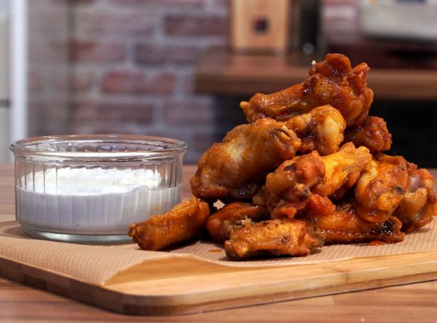 Cranble - Buffalo wings with blue cheese sauce