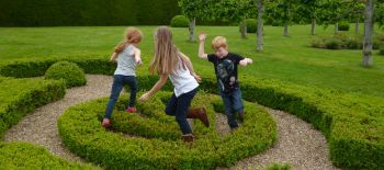 Happy.Family.Award.2.at.Penshurst.Place.c.Penshurst.Place..Gardens (1)