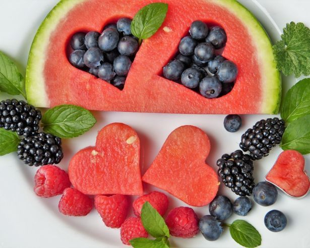 fruit-fruits-heart-blueberries-442408